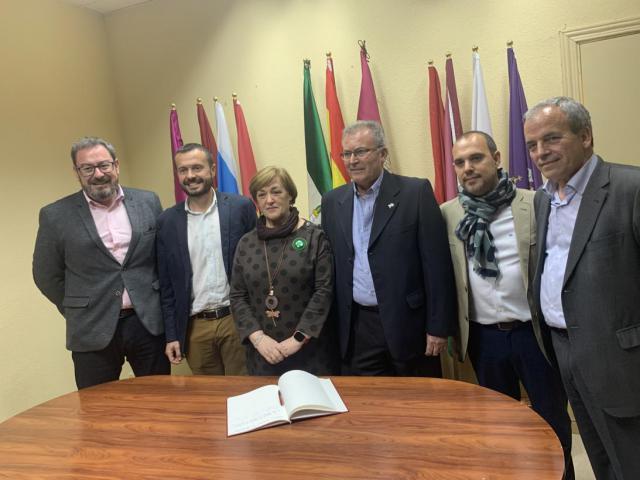 La viceconsejera de Relaciones Institucionales asistió ayer a la celebración de actos del Día de Andalucía en la Casa de Andalucía de Azuqueca de Henares.
