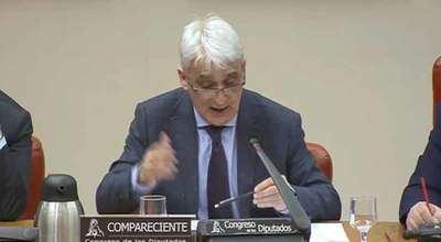 La Junta pide informática, la UCLM no hace nada y el Ministerio 'dicta sentencia'