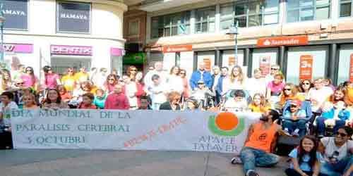 'Flashmob' a favor de los derechos de las personas con par�lisis cerebral