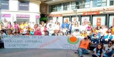 'Flashmob' a favor de los derechos de las personas con parálisis cerebral