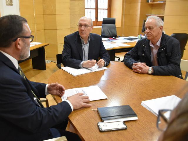 El comisionado del Reto Demográfico ha mantenido un encuentro con los representantes de este colectivo.
