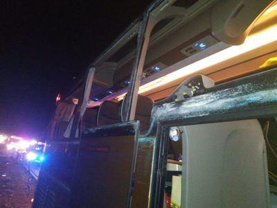 Autobús accidentado en Villargordo del Cabriel. Foto Consorcio Provincial de Bomberos