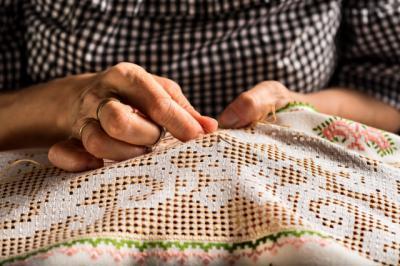 CULTURA | Los bordados artesanos de Castilla-La Mancha conquistan la moda
