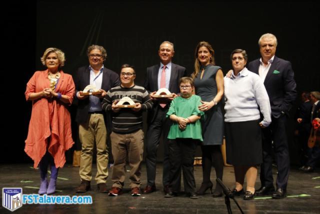 El Soliss FS Talavera recibe el Premio por la Inclusión 'Madre de la Esperanza'