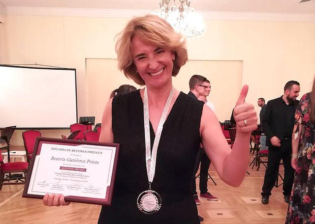 La 'talaverana' Beatriz Gutiérrez, galardonada tras dirigir la Orquesta Sinfónica de Belgrado en Serbia