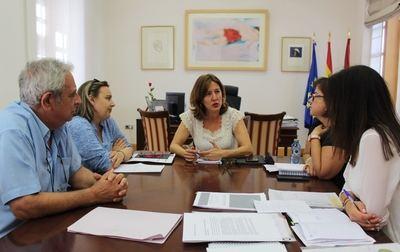 La Junta se interesa por los proyectos de FibroReal