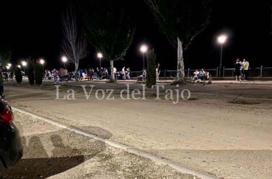 BOTELLONES | La irresponsabilidad ayer llenó las calles a medianoche