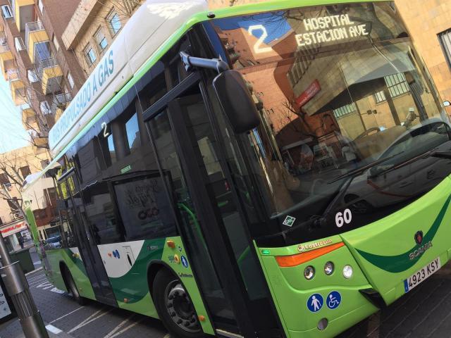ÚLTIMA HORA | Trenes y autobuses, al completo