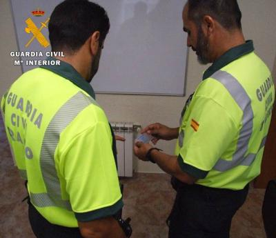 Detenido en Almansa por suplantar de forma reincidente a otra persona en el examen del carné de conducir
