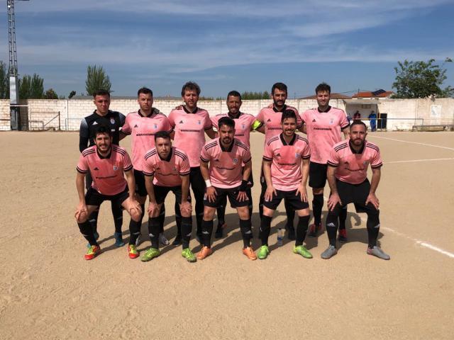 FÚTBOL   Los goles del CD Cazalegas-Ebora Fromación firman una remontada que certifica los play off