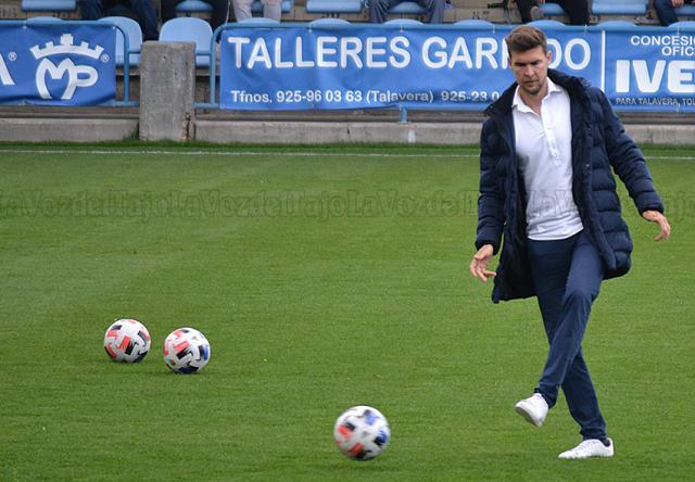 El CF Talavera anunciará en unos días la renovación del 'míster' Víctor Cea