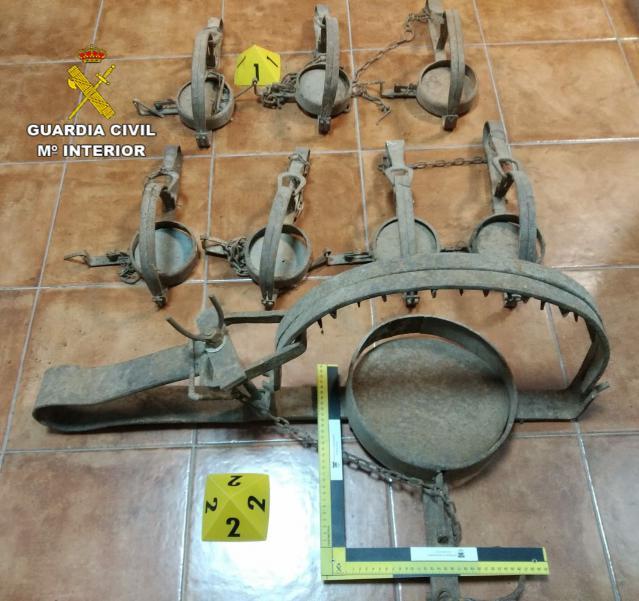 La Guardia Civil incauta 8 cepos de caza que se vendían por Internet