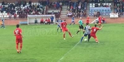 El CF Talavera hace los deberes y se afianza frente al Almagro