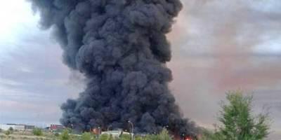 Más de 90 efectivos han trabajado durante la noche en la extinción del fuego de la planta de Chiloeches