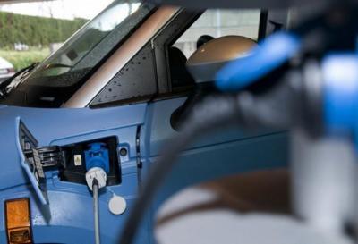 La Junta pone a disposición de los ayuntamientos 400.000 euros para comprar vehículos de energía limpia