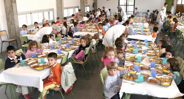 La Junta destina cerca de 100.000 euros para que unos 4.600 niños acudan a los comedores escolares durante la Navidad