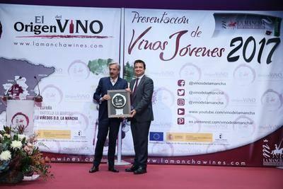 Castilla-La Mancha presume de vinos en la presentación de la DO La Mancha en el Círculo de Bellas Artes de Madrid