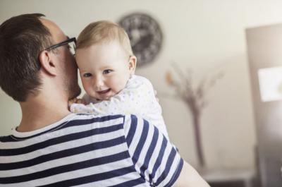 8.366 padres de CLM han disfrutado de los permisos de paternidad de cuatro semanas en 2017