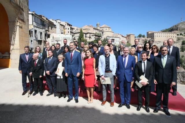 Foto de familia de los Premios Nacionales de Cultura 2016 en la Catedral de Cuenca
