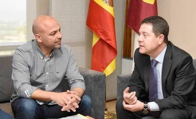 Molina ofrece a Page sentarse ambos a negociar presupuestos
