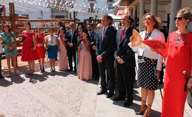 El delegado del Gobierno en CLM, José Julián Gregorio, visita La Puebla de Montalbán