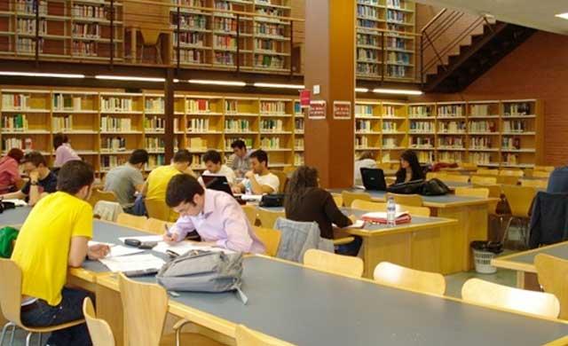 CLM mantiene el precio de las tasas universitarias para el próximo curso
