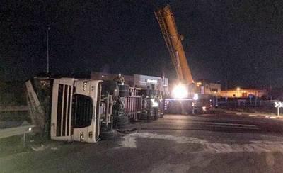 Fallece un joven de 26 años y otro resulta herido tras el vuelco de un camión