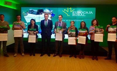 Eurocaja Rural repartirá 80.000 calendarios de pared de 2019 con 12 imágenes de clientes y empleados
