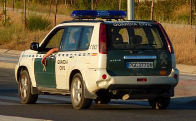 La Guardia Civil detiene a tres personas por elaborar estupefacientes