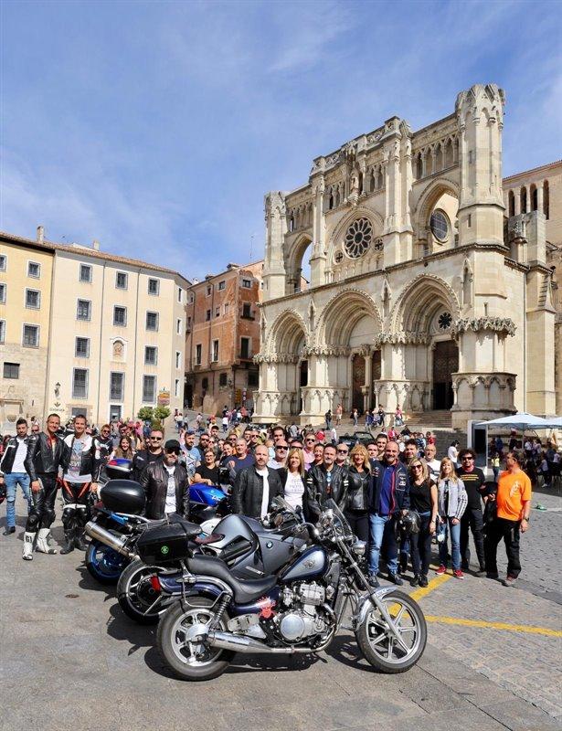 Concentración motera en Cuenca.