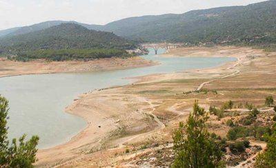 Los embalses cada vez con menos agua... y Murcia sigue apostando por los trasvases