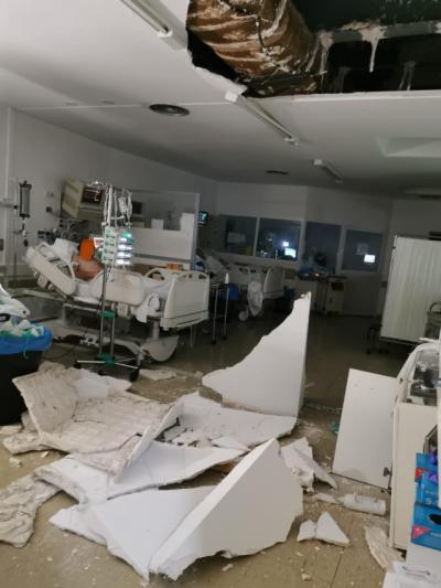 Se desprende parte del techo de la UCI del Hospital de Cuenca