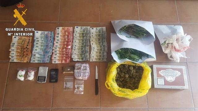 La Guardia Civil ha desmantelado un punto de venta de droga en Santa Cruz del Retamar
