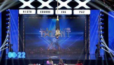 El ilusionista y escapista extremeño, ya casi talaverano, Alfred Cobami, triunfa en Got Talent