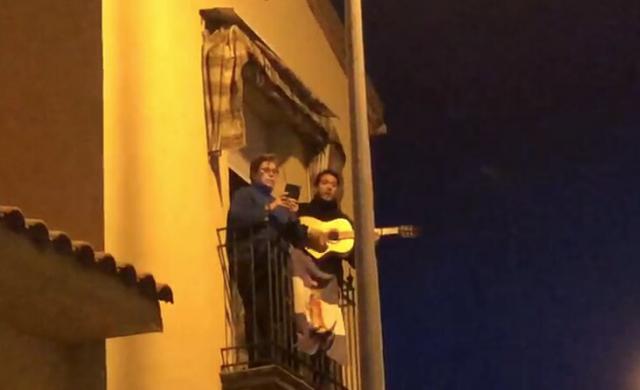 VÍDEO | León Martinez canta a Talavera y homenajea a sus vecinos