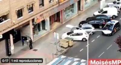 VÍDEO | El regalo de cumpleaños de una patrulla de la Policía Nacional a un chico de Talavera