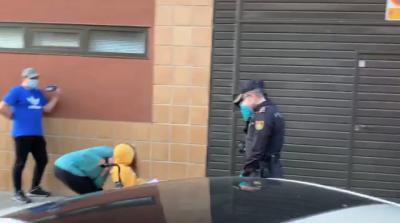 TALAVERA | El bonito gesto de la Policía Nacional con un niño que lucha contra el cáncer