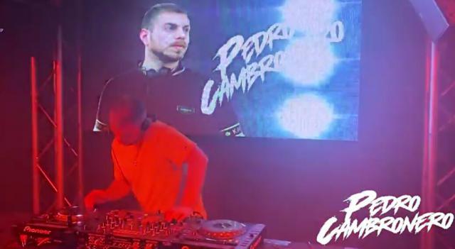 TALENTO TALAVERANO | El DJ Pedro Cambronero necesita tu 'me gusta'