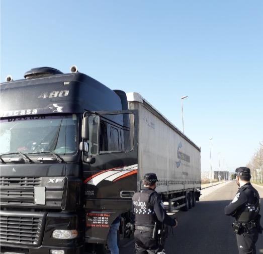 Campaña de vigilancia y control de camiones y autobuses   Foto: Policía Local de Talavera