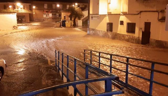 VÍDEO | Calles desbordadas por la lluvia en Cebolla