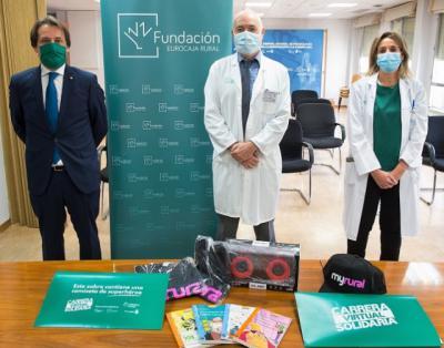 EUROCAJA RURAL | Donación de artículos al Hospital Nacional de Parapléjicos de Toledo