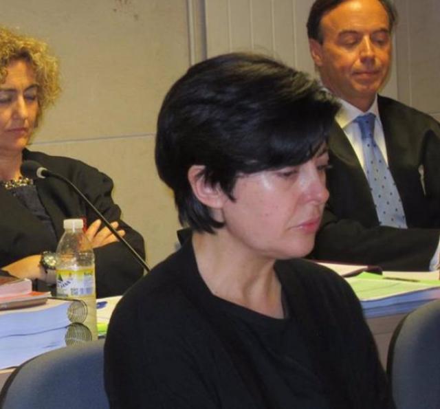 Alfonso Basterra (sentado detrás) y Rosario Porto (delante), durante el juicio por la muerte de Asunta - EUROPA PRESS - Archivo