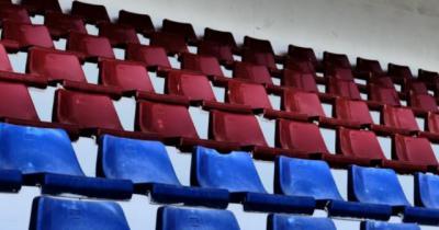 FÚTBOL | La FFCM exige a Sanidad una 'respuesta oficial' sobre la vuelta de público los estadios