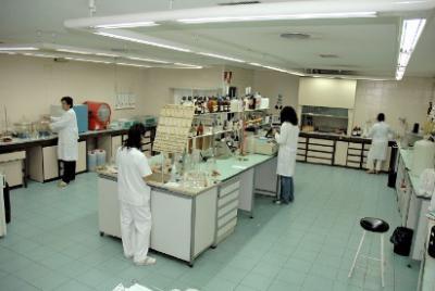 INVESTIGACIÓN | El laboratorio de Eurocaja Rural, preparado para detectar material genético Covid-19 en aguas residuales