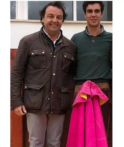 El empresario Rafael García Garrido junto al novillero Tomás Rufo   Foto:@InfoTomasRufo