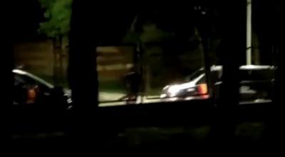 VÍDEO | Detenido por atacar a hachazos varios vehículos policiales