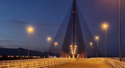 Vuelve la luz al puente atirantado de la Ciudad de la Cerámica