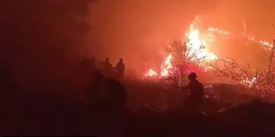 La UME se incorpora al incendio de El Tiemblo tras una noche