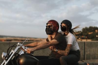 Cómo circular protegidos en moto este verano sin pasar calor