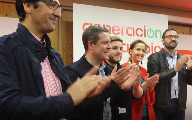 El secretario general de Juventudes Socialistas de Castilla-La Mancha, Nacho Hernando,en el centro de la imagen
